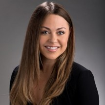 Lexi Sakowitz's Profile on Staff Me Up