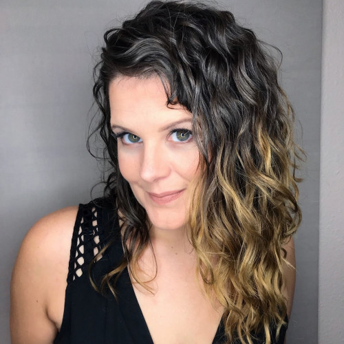 Leah Deslandes's Profile on Staff Me Up
