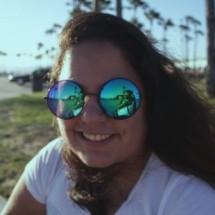 Liz Avelar's Profile on Staff Me Up