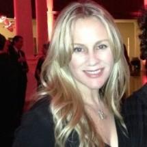 Lisa Hockly's Profile on Staff Me Up