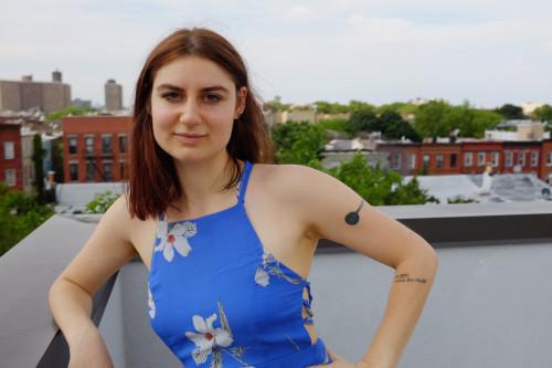 Tess Holbrook's Profile on Staff Me Up
