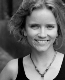 Lysandra Petersson's Profile on Staff Me Up