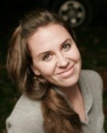 Renee Mulcare's Profile on Staff Me Up