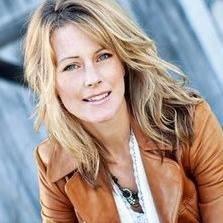 Angela Lyons's Profile on Staff Me Up